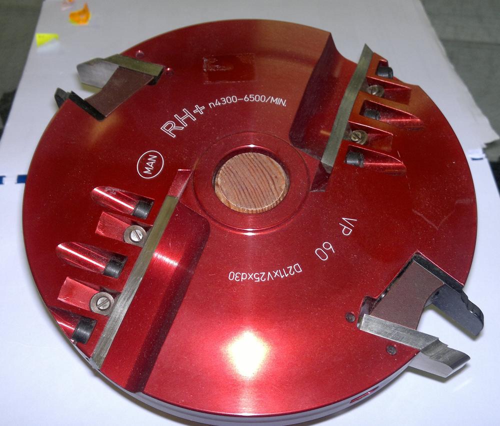 Rh+ Fréza výplňová spodní braní hw vp-60/b hss