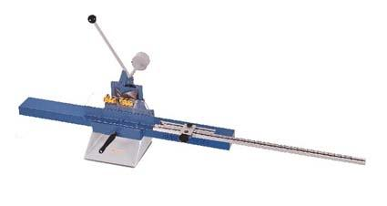 Pilm sekačka lišt Mini 2000T - ruční ovládání, s pravým prodloužením stolu